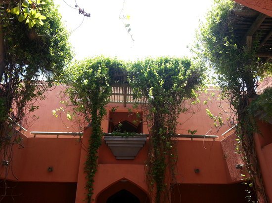 La Palmeraie Hotel: im Innenhof Blick nach oben