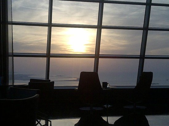 Jumeirah at Etihad Towers : sunset from the Observation Desk at 300