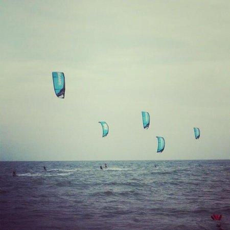 Surfpoint Kiteboarding School : Surf point team in action