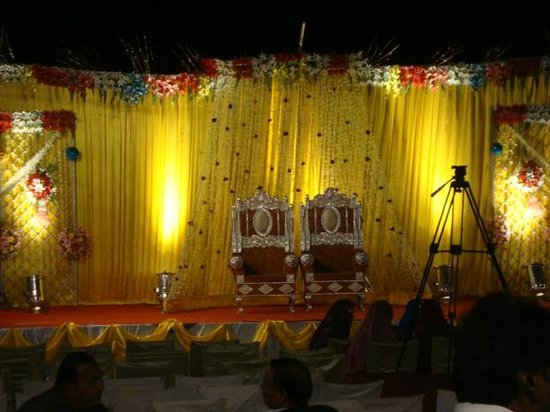Hotel Kailash International: Lawn Side For Best Marriage Pary