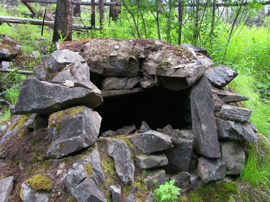 Myra Canyon Park: One of the Rock Ovens used by the builders of the KVR