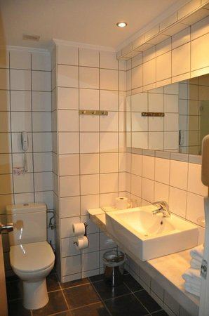 Cathrin Hotel: bagno