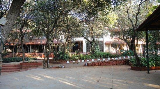 Club Mahindra Mahabaleshwar Sherwood: gardenarea