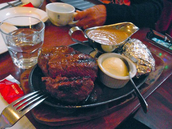 Ballarat Steakhouse: See, meat without veges served.
