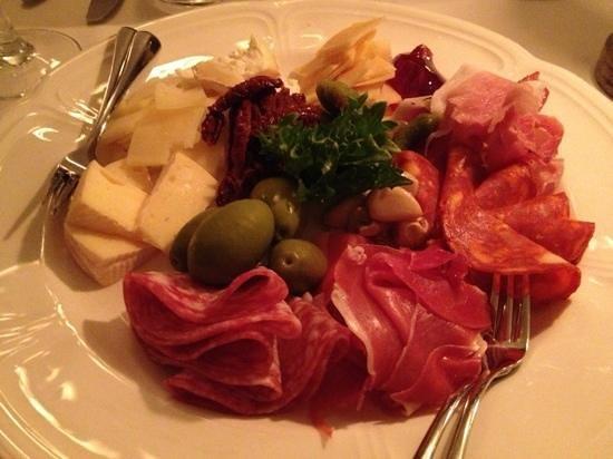 Arensburg Restaurant: shared starter plate