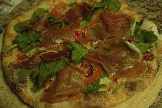 Tiramisu : mozzarella, rucola fresh tomatoes and parma ham