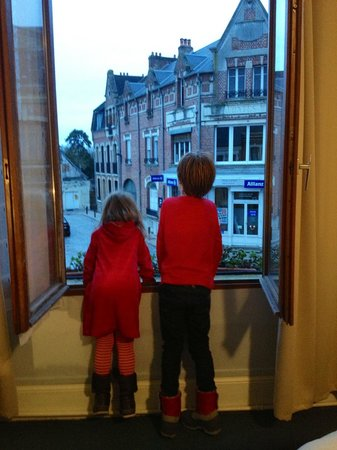 La Tour de Crecy: Checking out the view!