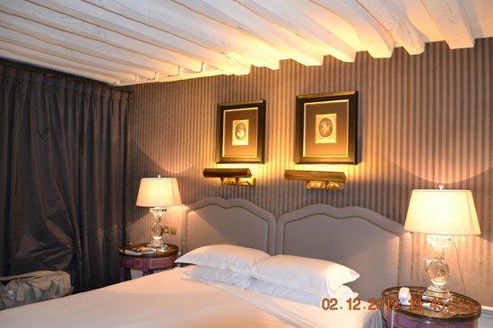 La Maison Favart: room
