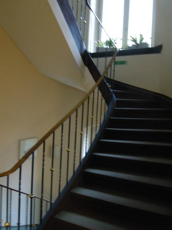 Mainzer Hof Hotel: stairs, but there is also an elevator in the building