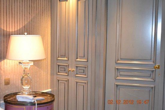 La Maison Favart: wardrobe