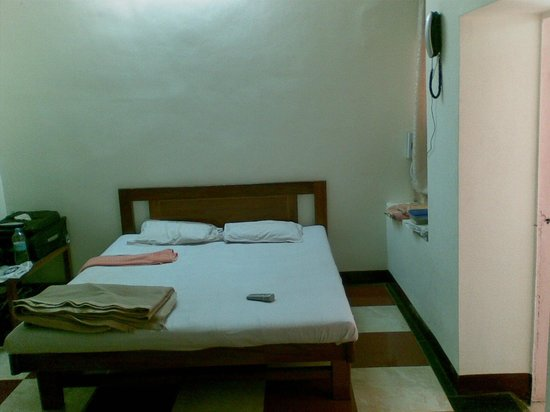 Hotel Woodlands Matheran: Second bed in cottage