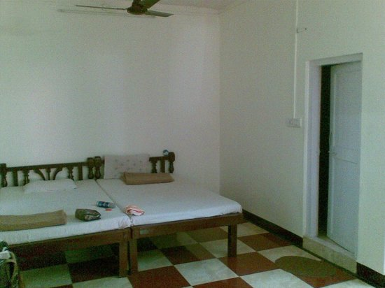 Hotel Woodlands Matheran: One end of Cottage