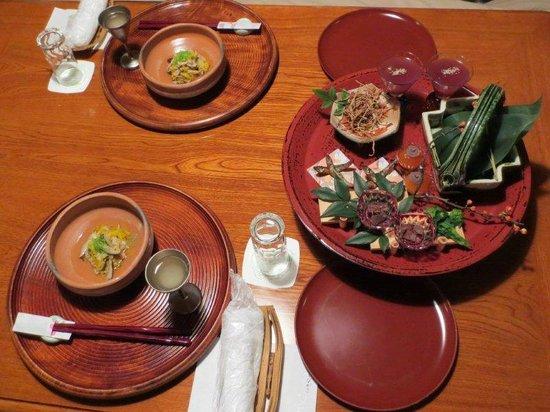 Yoroduya Shoraiso : 夕食の先付・前菜