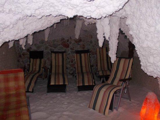 Salina-Meersalzgrotte : salina meersalzgrotte - sala nella grotta