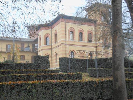 Villa Scati: le camere viste da fuori