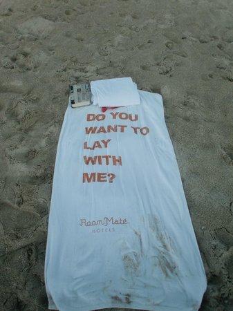 روم ميت والدورف تاورز: Miami Beach Hotel towels :-) 