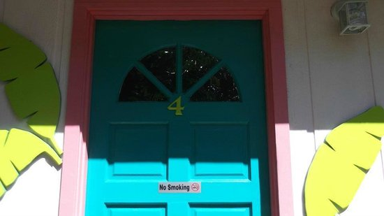 Driftwood Inn: Front Door