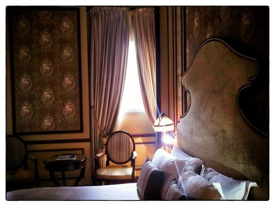 InterContinental Bordeaux Le Grand Hotel: My bedroom: third floor, in an interior courtyard.