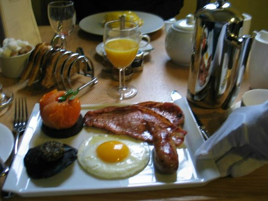 Nanteos Mansion: The full Welsh breakfast!