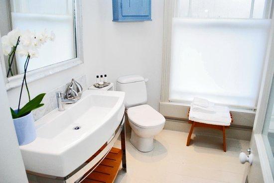4 Beaufort: Luxury Single Room – Bathroom