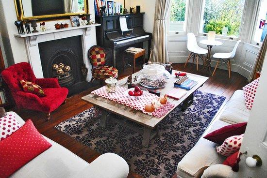 4 Beaufort: Guest Living Room