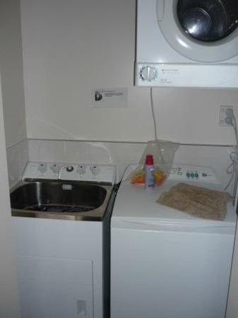 Apartments Kaikoura: clothes washer and dryer