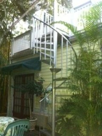 Knowles House B&B: Spiral Staircase to Sunbathing area