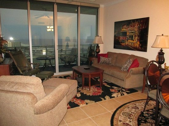 Ocean Club at Biloxi: Living Room over looking ocean