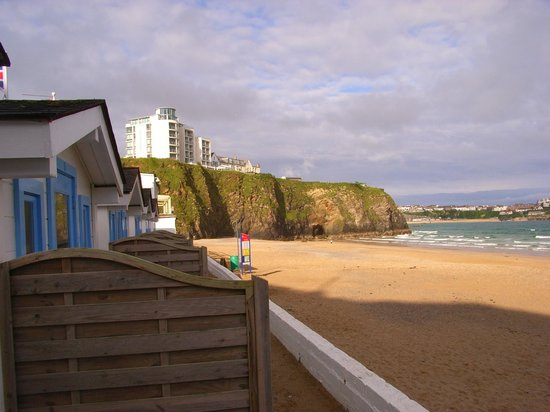 Tolcarne Beach Apartments: bar