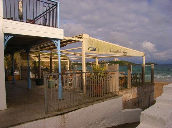 Tolcarne Beach Apartments : bar