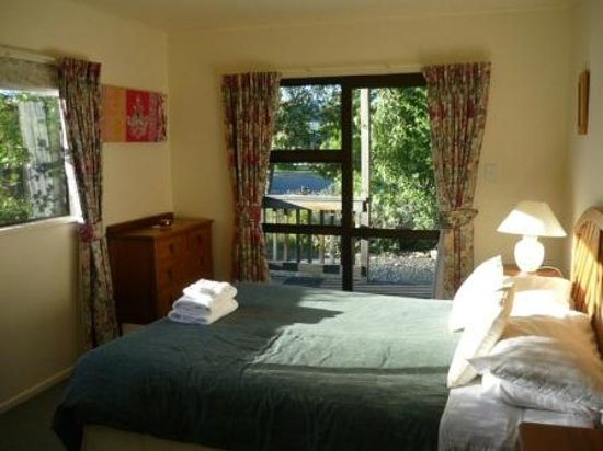 Lake Tekapo Holiday Homes : second bedroom