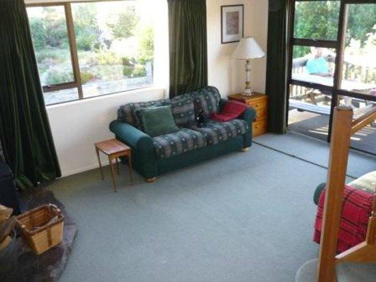 Lake Tekapo Holiday Homes: living room