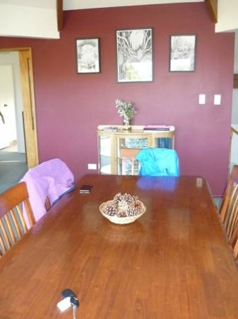 Lake Tekapo Holiday Homes: dining