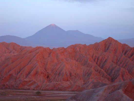 Awasi Atacama - Relais & Chateaux: Sunset on Licancabur Volcano