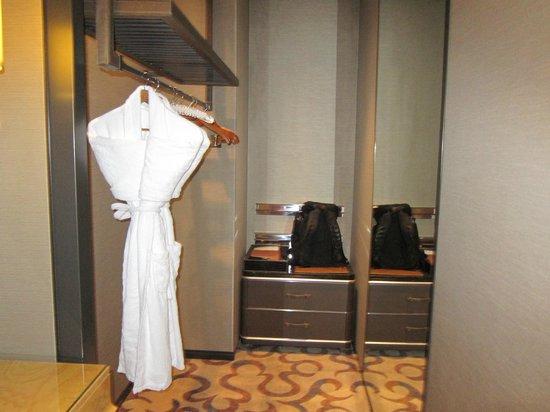 MGM Macau: cloak