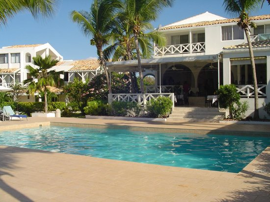 Anacaona Boutique Hotel: Main pool, one of two. 