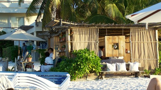 Ixchel Beach Hotel: Massage hut!