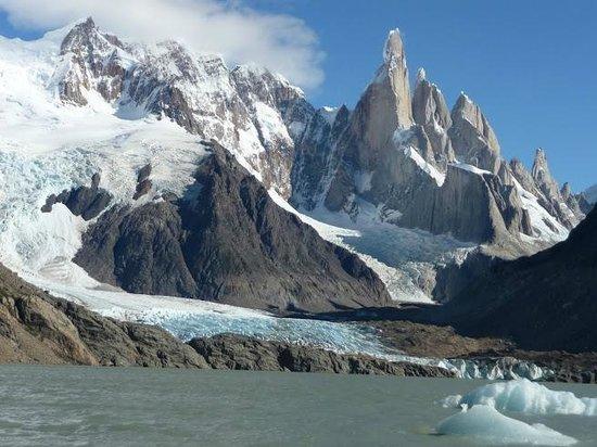 Laguna Torre: Laguna, glaciar y cerro Torres