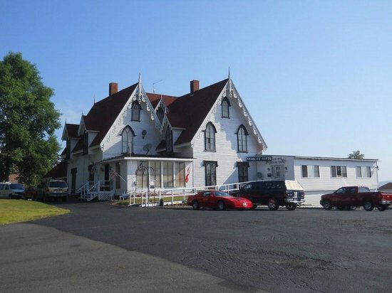 Redclyffe Shore Motor Inn: Hotel main house & restaurant
