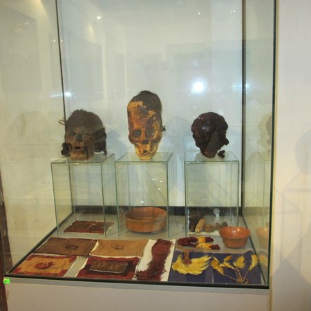 Paracas History Museum -  Juan Navarro Hierro: Some of the elongated skulls and more textiles