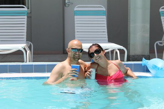 Camelot Beach Resort: pool pic