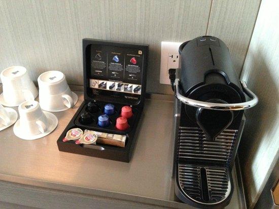 Four Seasons Hotel Toronto : your own Nespresso machine