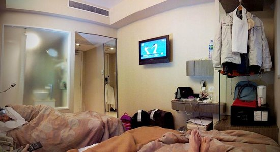 Family of three staying in room on Level 2 at Silka Seaview Hotel, Kowloon