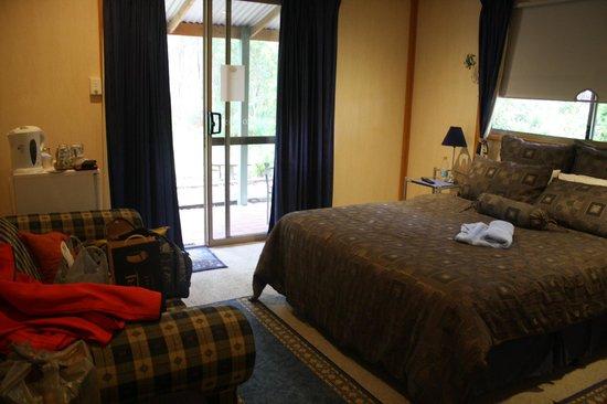 A Splendid Wren Pemberton Retreat: Bedroom