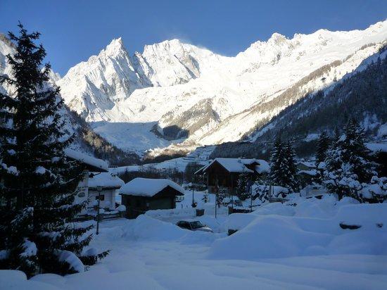 Hotel Aigle: Vista del Monte Bianco direttamente dalla camera