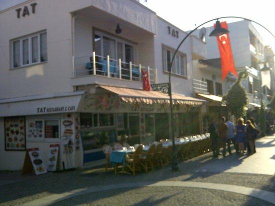 Tat Cafe Restaurant: tat tat