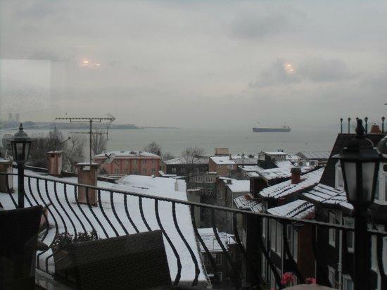 オズマンハン ホテル, 屋上より