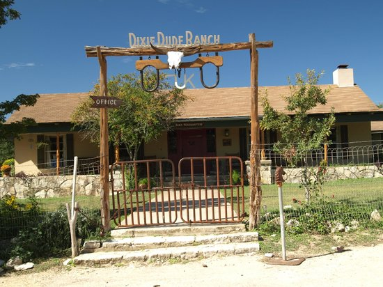 Dixie Dude Ranch: Main lodge/office