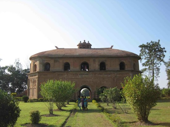 Ассам, Индия: The Ahom Architecture wonder - don't miss the inverted boat shaped roof