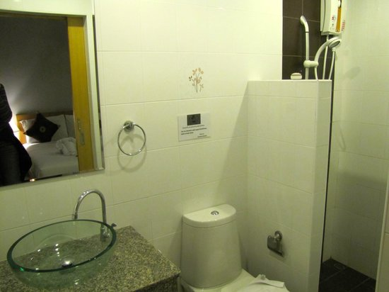 Amarina Residence: Bathroom